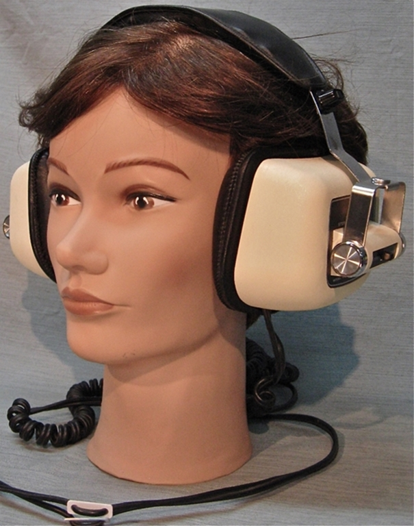 Picture of Howland West CIS-4000 Headphones
